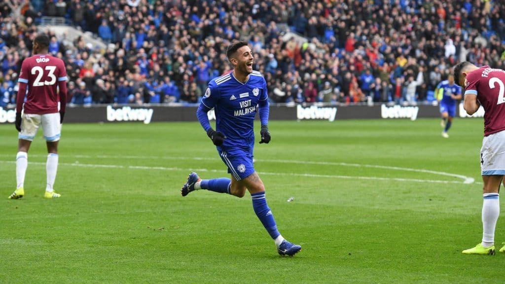 Camarasa comemorando o 2º gol em cima do West Ham no Cardiff City Stadium (Foto: Reprodução Cardiff City FC)