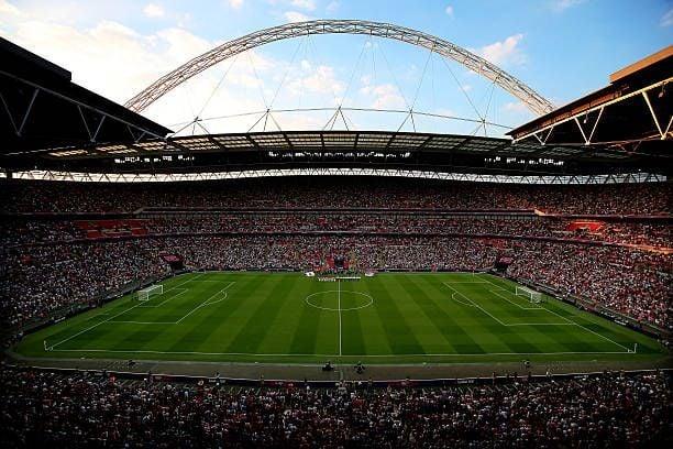 Premier League pode ter estádios cheios na estreia da próxima temporada